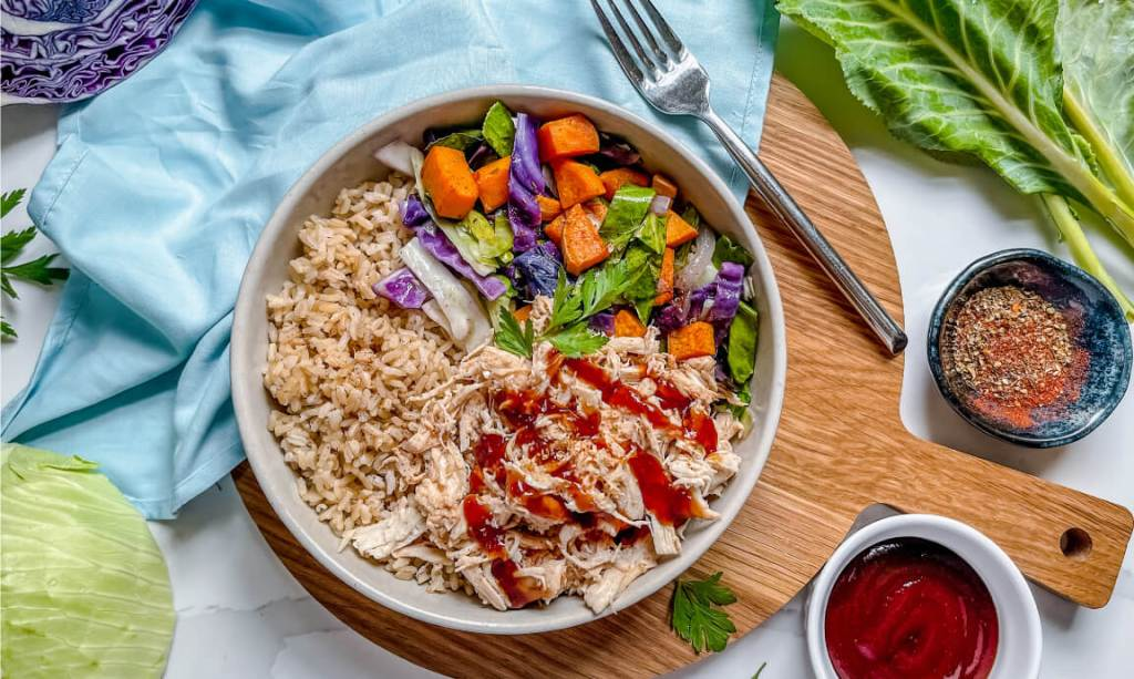 photo of prepared heart-healthy bbq with veggies and rice recipe.
